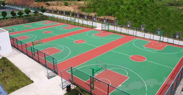 硅PU球场施工时排水沟是如何布置的?